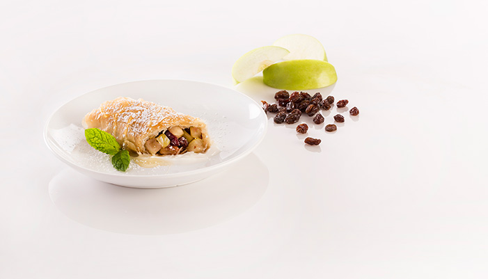 CRANBERRY-APPLE STRUDEL
